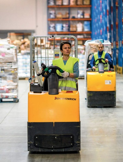 couple-of-forklift